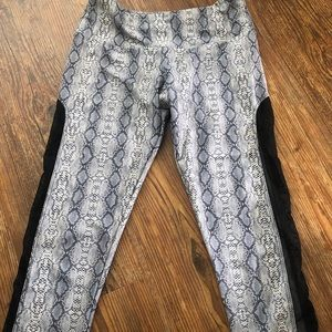 Onzie snake cropped small yoga pants USA sheer